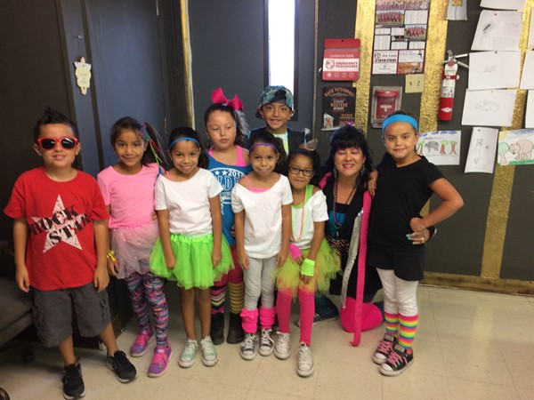 "Mrs. Lambert visiting Ms. Perez's 2nd Graders @ ART ""STYLING' the 80's"""