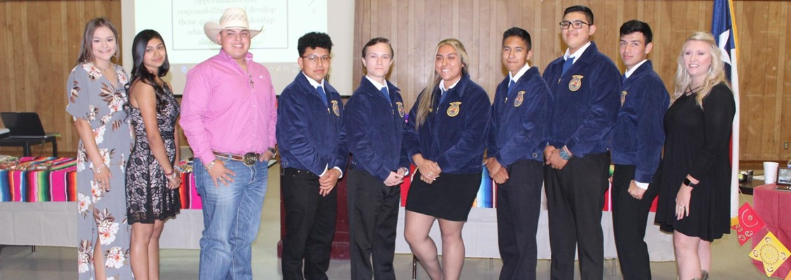 LPISD FFA OFFICERS AND MRS. TAYLOR, FFA SPONSOR