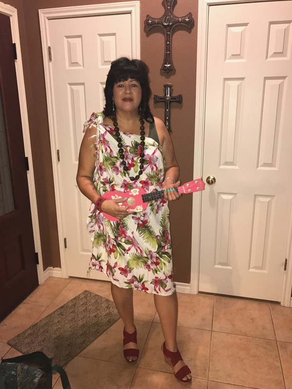 Mrs. Lambert dressed in Hawaiian dress for 2017 Spirit Week!! Go Bulldogs