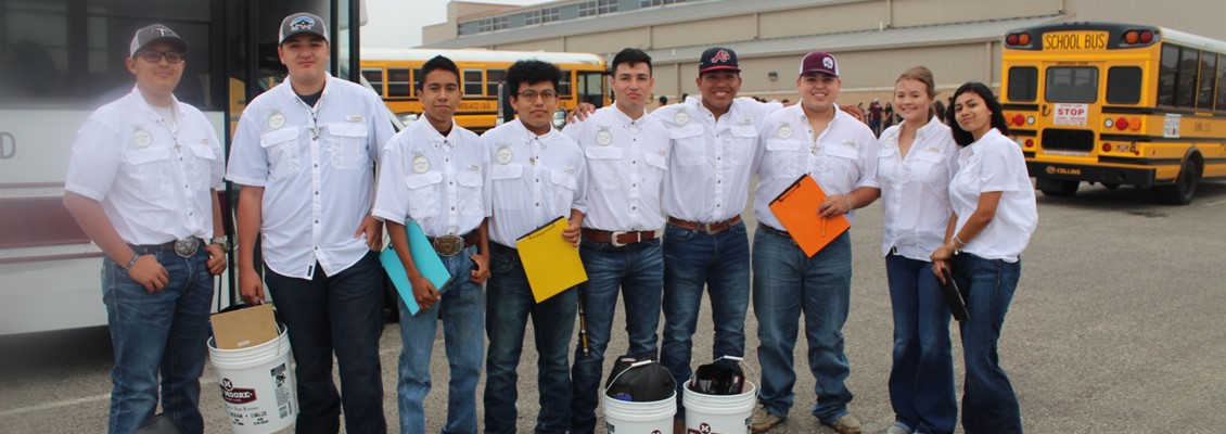 LPHS AG Mech and Livestock Judging members.